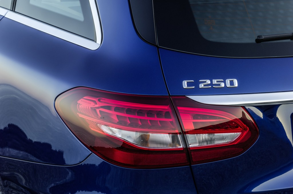 c-250-bt-amg-sports-pack-tail-lamp_1800x1800