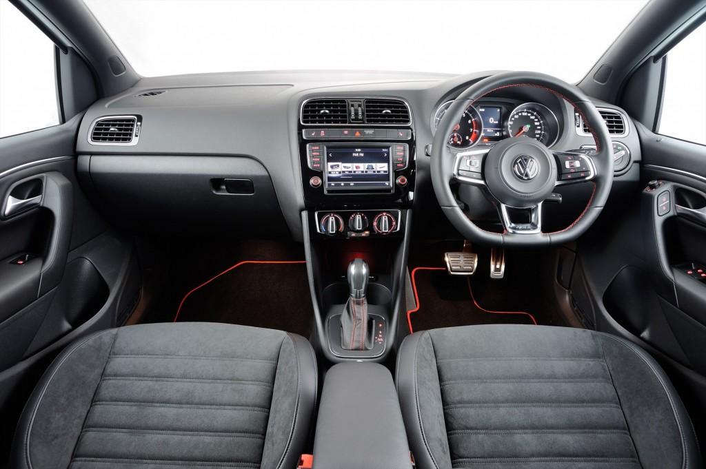 new-polo-gti-interior_001_1800x1800