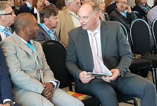 Sisa Ntshona, head of SA Tourism, and James Vos, Democratic Alliance shadow minister of tourism